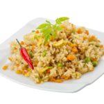 אורז מוקפץ טופו וירקות מוקפצים